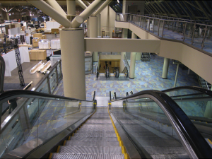 01_Looking_Down_Triple_Escalator_photo.df